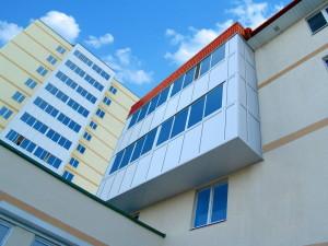 ALT100 Balcony Glazing System